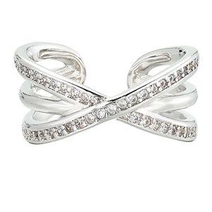 Crisscross pattern CZ ring